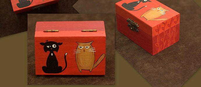 Cutie din lemn cu pisicute