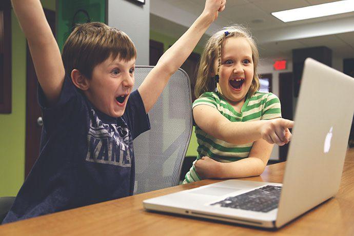 copii-la-laptop
